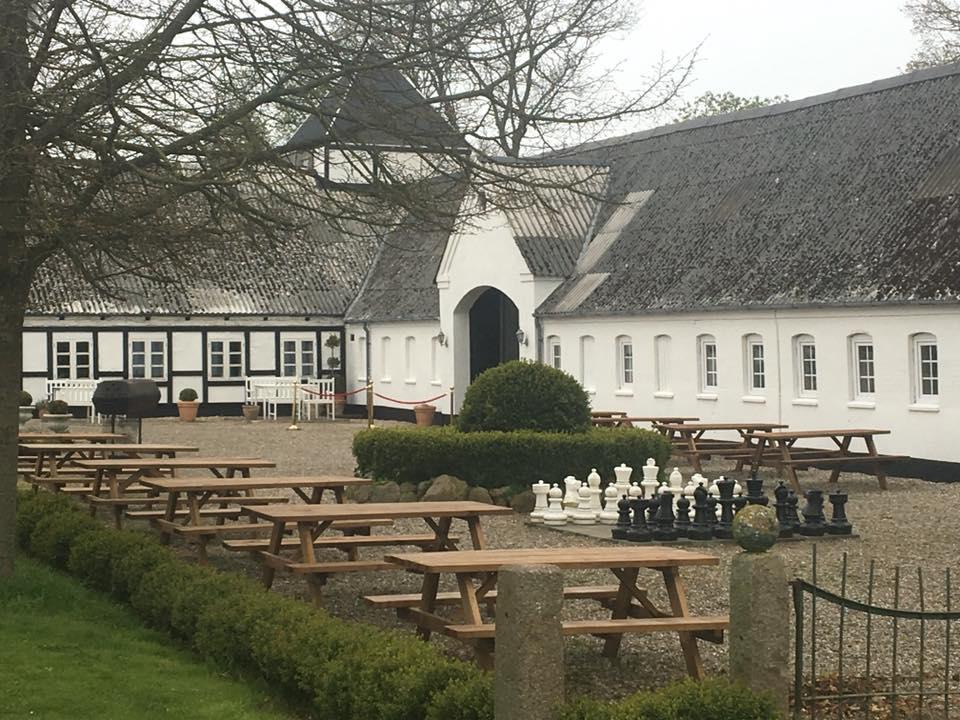 Øbjerggård